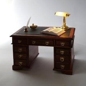 Englischer Schreibtisch