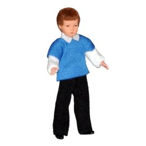 Junge im blauen Pullover