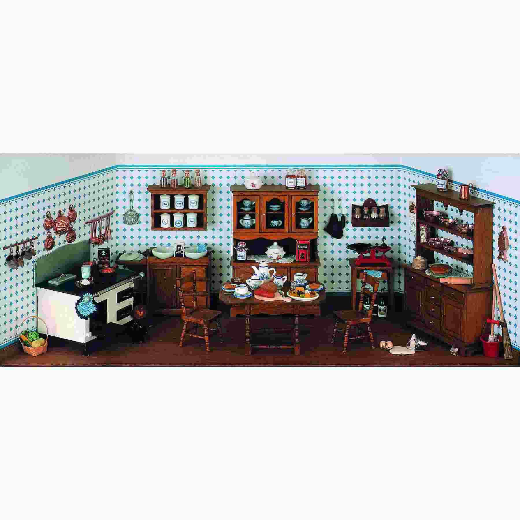 Complete set – Antique kitchen without stove